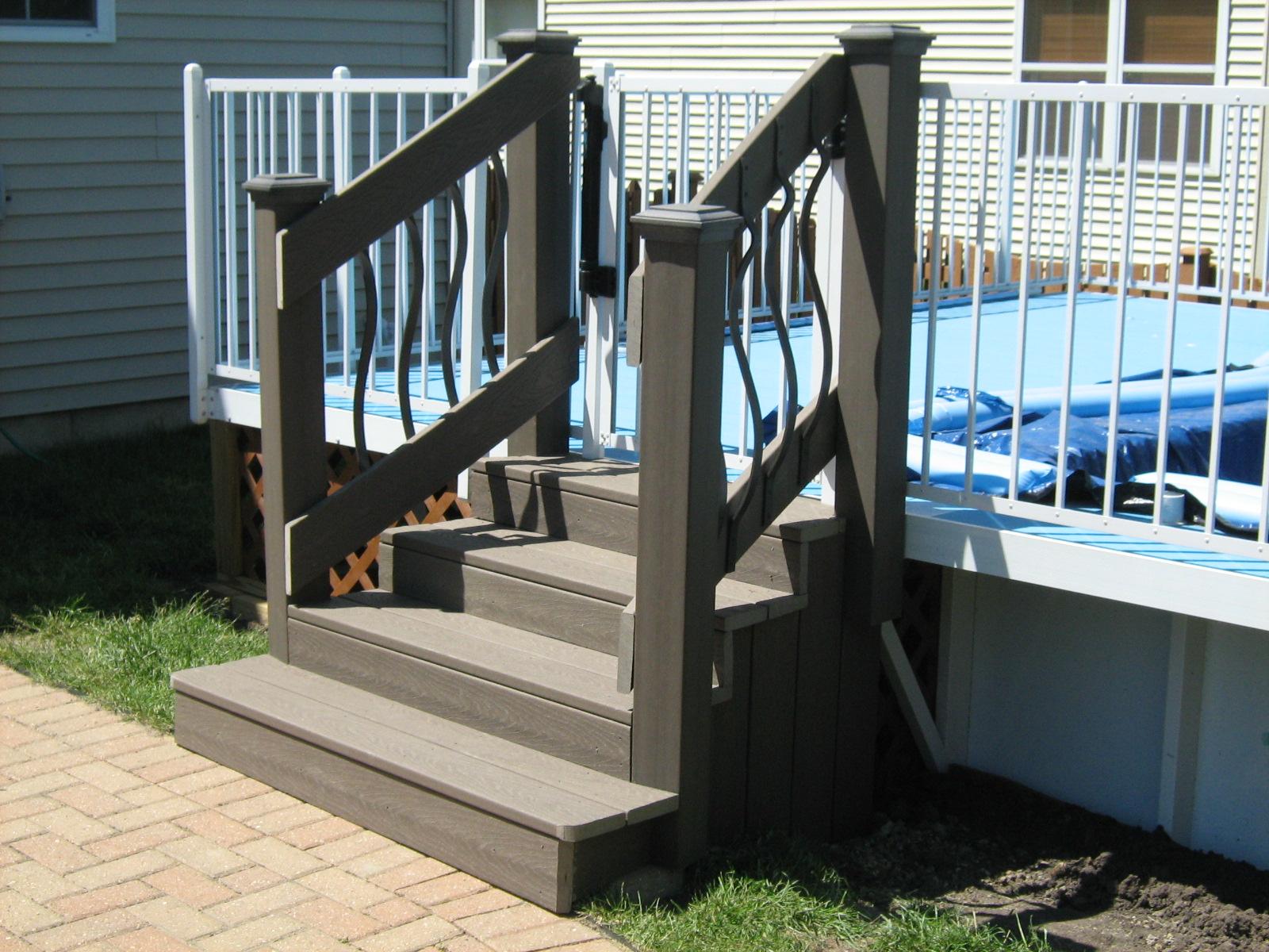 Trex pool Stairs