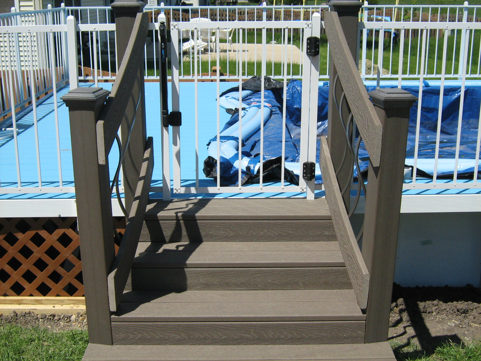 Trex pool Stairs